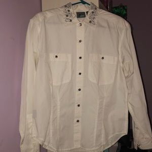 White button up blouse bedazzled collar